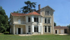Chateau-dans-le-Bordelais-300x172 Nos réalisations